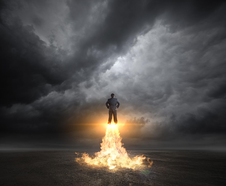 Forandring lederens brændpunkt  Markedsændringer Shitstorme på de sociale medier  Medarbejderforringelser Udfasning/indfasning af IT-systemer Omstruktureringer Fusion Fyringsrunder det handler om formidling Mads Sebbelov Eksamineret Psykoterapeut og Master Coach hjælper dig